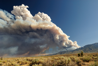 California wildfire smoke cloud