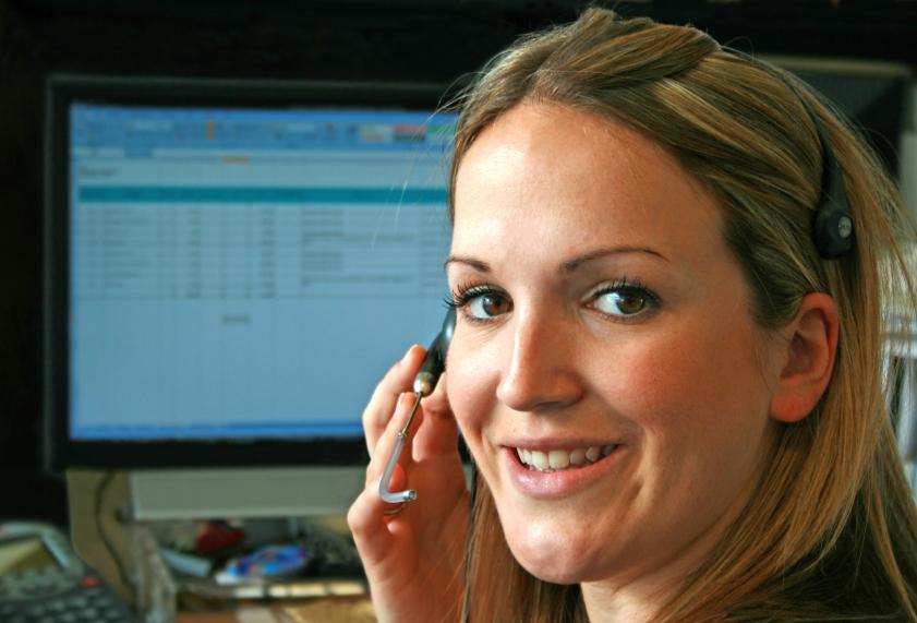 customer-service-woman-headset-computer-770.jpg