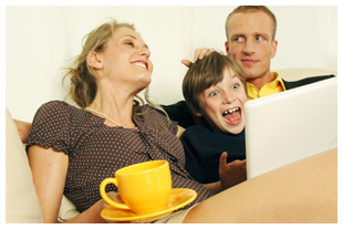 Family of 3 on computer