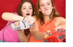 girls-red-videogame.jpg