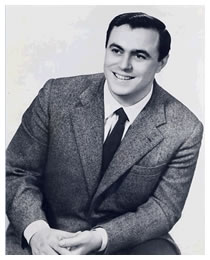 luciano-pavarotti-age-33.jpg