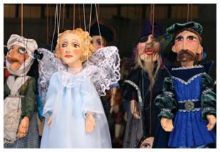 marionettes-prague.jpg