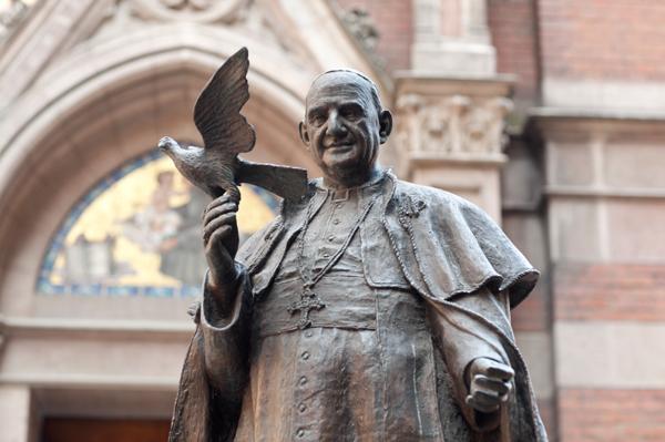 Pope John XXIII statue, St. Anthony of Padua Church