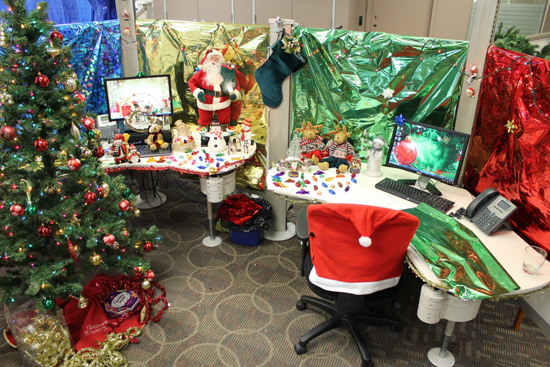 Sheldon Matthews and Jarden MacQueen Christmas Decorating Contest at Voices.com