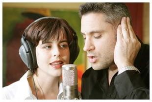 woman-man-recording-one-microphone.jpg